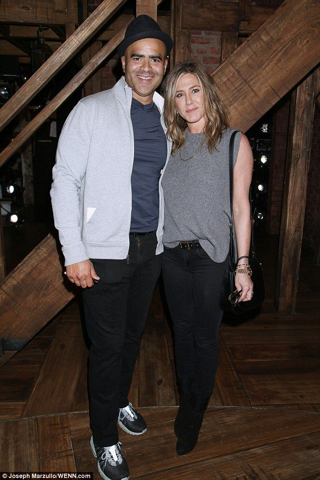 Jennifer Aniston keeps it casual in a low-key knit and skinny jeans as she supports Broadway star Christopher Jackson's Hamilton performance | Daily Mail Online