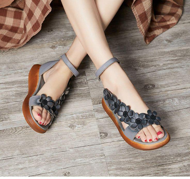 Sandalias de mujer hechos a mano con Flatform de flores, sandalias planas de cuero, zapatos, sandalias de playa, zapatos verano sandalias para las mujeres Zapatos más: https://www.etsy.com/shop/HerHis?ref=shopsection_shophome_leftnav ♥♥♥♥♥♥If no sabes que tamaño tiene que elegir, por favor