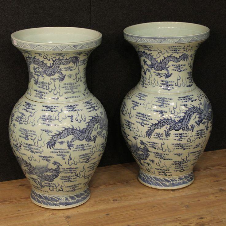 1500€ Great pair of Chinese vases in painted ceramic. Visit our website www.parino.it #antiques #antiquariato #object #ceramic #pottery #collecibles #vase #antiquities #antiquario #collectible #decorative #interiordesign #homedecoration #antiqueshop #antiquestore