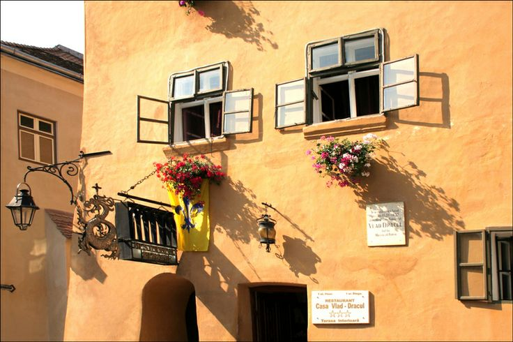 UNESCO. Historic Centre of Sighişoara - Old windows (Dracula house) by Stefan Andronache on 500px Dracula House - Sighisoara, Romania www.romaniasfriends.com