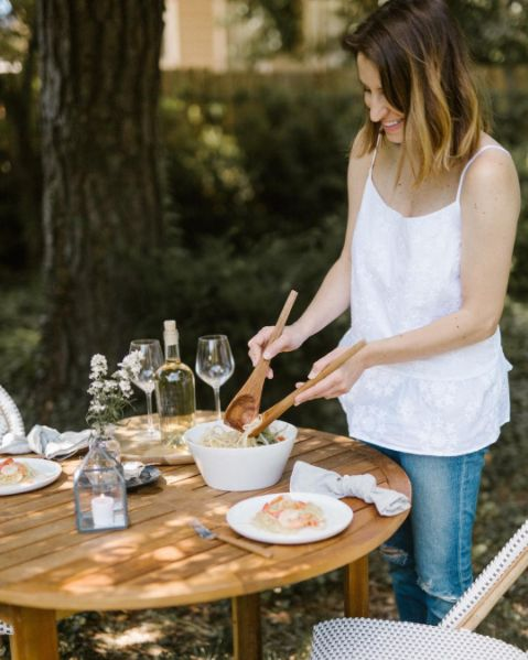 Alfresco dining at it's finest @caitlinkruse http://us.thewhitecompany.com/Home-and-Bath/c/Kitchen-Essentials