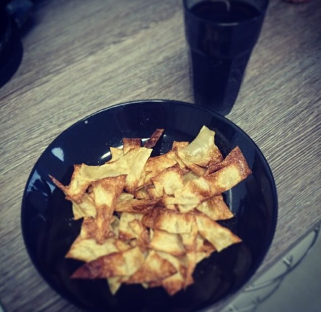 Slimming world 'crisps'. Boil lasagne sheets until soft, cut into triangles, spray a baking paper lined tray with fry light, lay out the triangles, spray again and bake in the oven for 8-10 minutes until crisp. Season with anything.