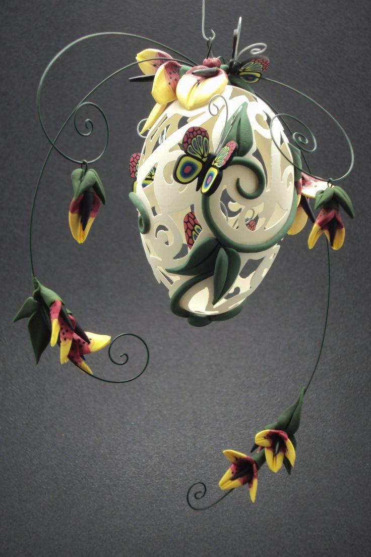 Lillies again...to see more on this go to my group/blog page on Facebook...Laura J Schiller Originals (Egg Art/Polymer Clay)