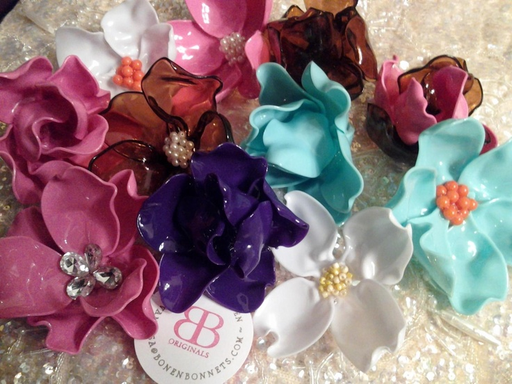 Made out of melted plastic spoons...New Spoon Flower Brooches, Hair Clips, and Rings!! I love!