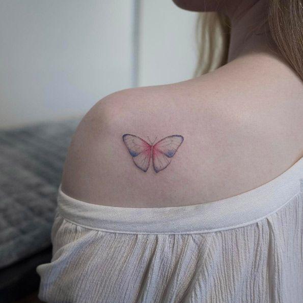 Cuando se tieneel dilema de hacerse un tatuaje muchas veces el diseño es lo que nos detiene , pero los pequeños tatuajes son una gran opcion cuando se tienen dudas.    Por muchas razones los tatuajes pequeños son la mejor opcion para un primer tatuaje o cuando se está indeciso sobre el diseño,