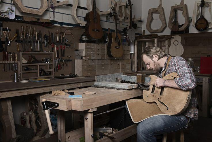 979 best luthier 39 s work images on pinterest guitar art guitar building and guitar neck. Black Bedroom Furniture Sets. Home Design Ideas