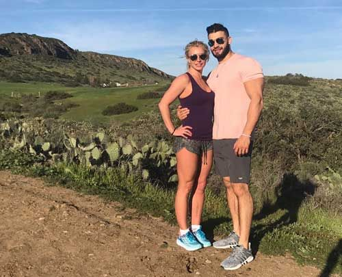 Britney Spears has released new images in Instagram with her boyfriend Sam Asgari