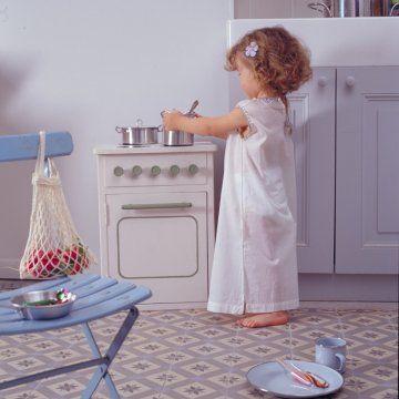Une gazinière pour enfant en meuble de récup // a kid stove made of upcycling furnitures