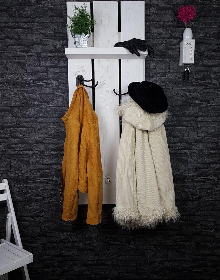 Garderobe, Flur, Aufhängung, Haken, Holz, Wand, Dekoration,  DIY,  Gestaltung, Jacke, Mantel, Schal, Mütze, Besuch, upcycling, Einzelstück, Unikat, shabby chic