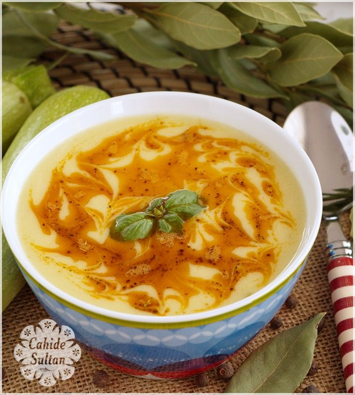 Hafif ve lezzetli bir yaz çorbası.