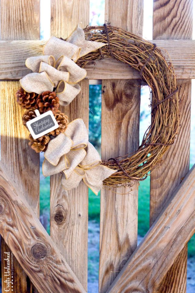 Add+a+tiny+mini+chalkboard+tag+to+this+wreath+to+spell+out+a+cute+fall+greeting.+ Get+the+tutorial+at+Crafts+Unleashed.+   - CountryLiving.com