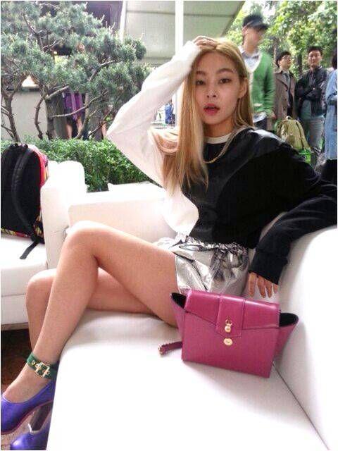 Korean Model Hae-na Song with Marja kurki ELEGIA purse. #models #korean #koreanstyle #style #luxury
