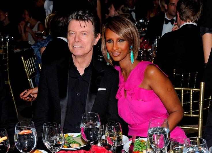 BREAKING: David Bowie dies aged 69 after 18-month cancer battle | http://ow.ly/WSMgV  - NECROLOGIE: David Bowie est décédé dimanche dernier à l'âge de 69 ans. Le musicien de rock légendaire est mort après 18 mois de combat contre un cancer, annonce son site officiel, lundi 11 janvier.