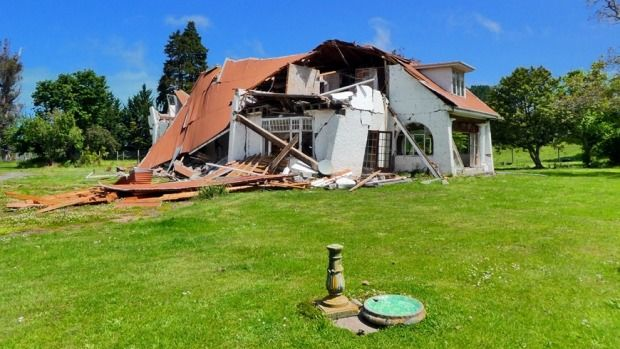 Dutch tourist Jasper Nijland spent the week post-quake in Kaikoura and took some incredible  photos to document his ...