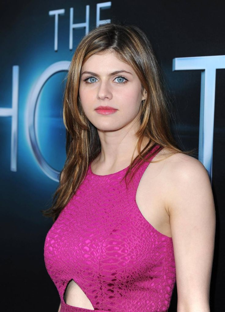 Alexandra Daddario Nude Photos and Videos