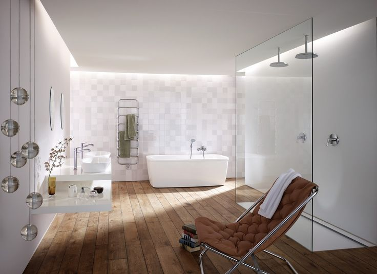 Classic bathrom design: Beautiful timeless and traditionell interior with hansgrohe mixers. #hansgrohe #MetrisClassic #Metris