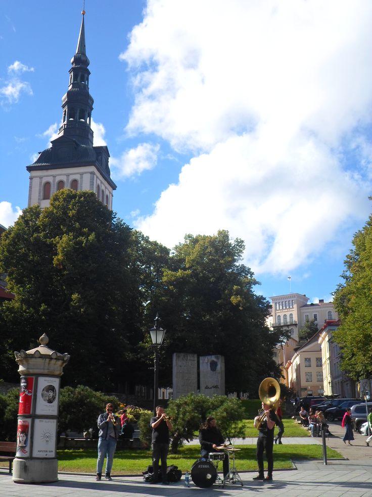 Tallinn, ¡Quiero tocarte de verdad!