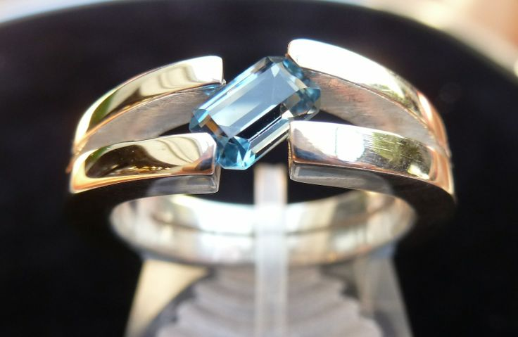Anillo Topacio Azul natural en plata 925