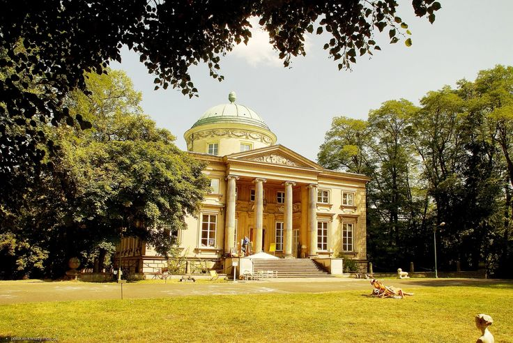 Królikarnia, recepcja palladianizmu i silna inspiracja Villą Rotondą spod Vincenzy; projektował ją Dominik Merlini, dziś znajduje się tam Muzeum Rzeźby im. Xawerego Dunikowskiego