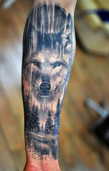 tatuaże zwierzęta wilk na ręce