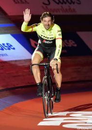 """Een uitverkocht Kuipke in Gent heeft vandaag afscheid genomen van Fabian Cancellara. """"Onbegrijpelijk, dit kan enkel in het wielergekke België."""""""