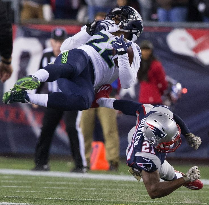Seahawks vs. Patriots:  31-24, Seahawks  -  November 10, 2016  -    Seattle Seahawks running back C.J. Prosise (22) during the fourth quarter. (Mike Siegel / The Seattle Times)