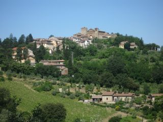 Hello my friends! Welcome to My Own Italy to discover Italy with my personal touch! Our travel today is in Tuscany along the Via Chiantigiana.  Situated halfway between Florence and Siena, we find Greve in Chianti. Greve in Chianti is a small town, and it extends between the hills of Chianti and Florentine hills.   If ...