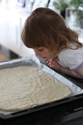 Mona's Kjøkkenskriverier: Kaldhevet pizzadeig