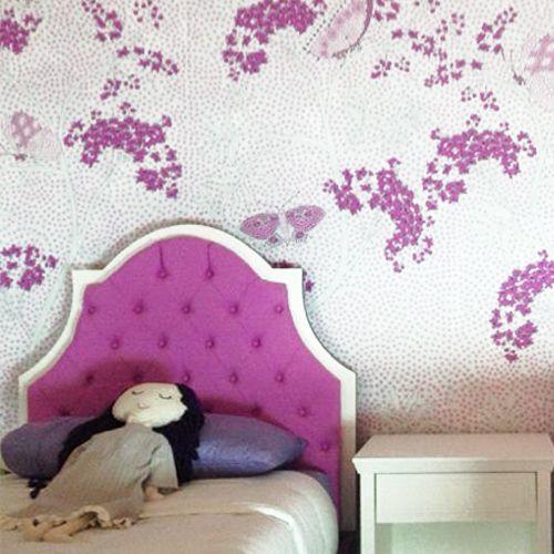 frambuesa, recamara de niñas tapiz de mariposas, cabecera capitonada, algreca.com