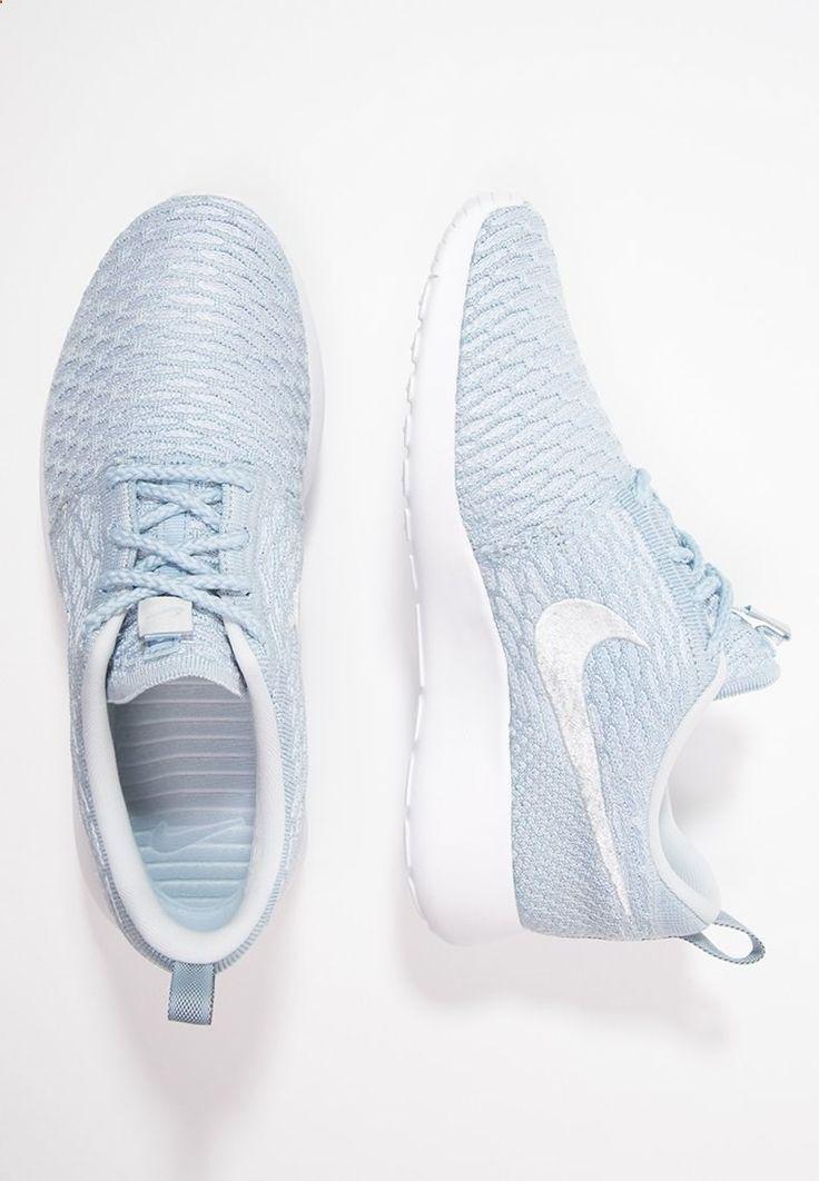 Nike Sportswear ROSHE ONE FLYKNIT - Joggesko - light armory blue/pure platinum/white - Zalando.no