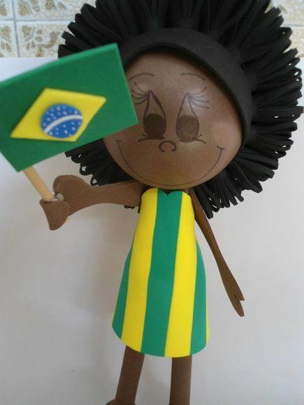 Fofucha 3D em EVA tema torcedora Brasil, medindo aproximadamente 30 cm.  Linda opção de presente. Podemos personalizar com as caracteristicas que desejar. Encomende já a sua!!! Frete não incluso. R$ 25,00