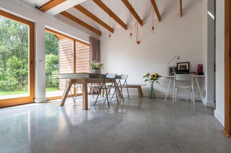 Jadalnia Simple House, posadzka BAUFLOOR Creativo. Fot. Bautech Futura