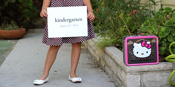 Cute idea for back to school pictures - include the lunchbox too :)