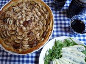 Quiche muschroom with walnut cream * Quiche champignon met walnotencrème