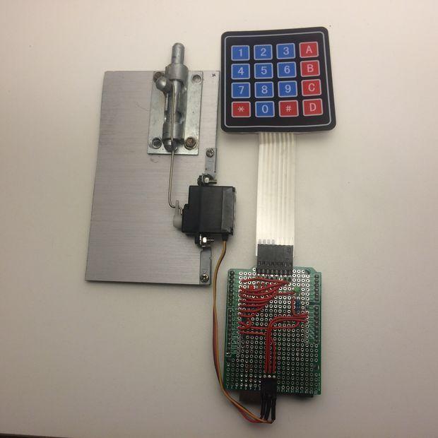 Arduino door lock with password and doors