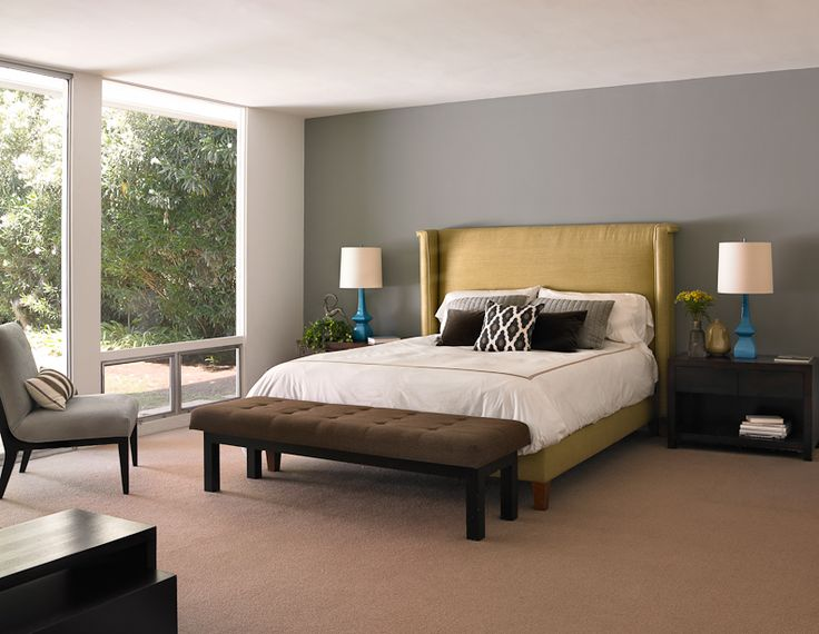 5 Beautiful Accent Wall Ideas To Spruce Up Your Home: Dunn-Edwards Paints Paint Colors: Accent Wall: Bank Vault