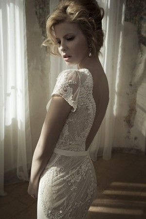 Absolutely stunning gown by Lihi Hod