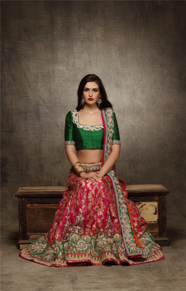 Gorgeous #Desi Bridal #Lehenga by Asha & Gautam Gupta https://www.facebook.com/AshaAndGautamGupta via myShaadi.in