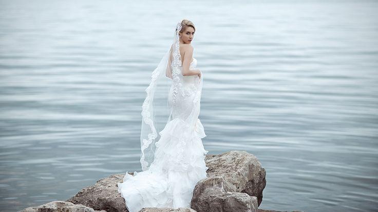 Elegant bridal editorial by LaMemoir Photography | Toronto Wedding Photographer | www.LaMemoir.com |   #bridal #editorial #wedding #dress #photography #toronto #ontario #fashion #bride #lamemoir #elegant #beauty #ethereal #angelic