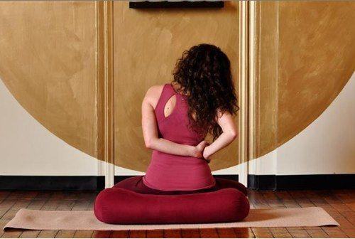 Болит спина после тяжелого рабочего дня? Не беда — эти упражнения тебе помогут!