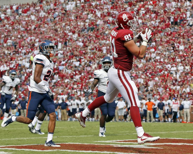 Oklahoma's Mark Andrews (81) makes a touchdown catch in front of UTEP's Kahani Smith (24) in the second quarter during a college football game between the Oklahoma Sooners (OU) and the University of Texas at El Paso Miners (UTEP) at Gaylord Family-Oklahoma Memorial Stadium in Norman, Okla., Saturday, Sept. 2, 2017. Photo by Nate Billings, The Oklahoman