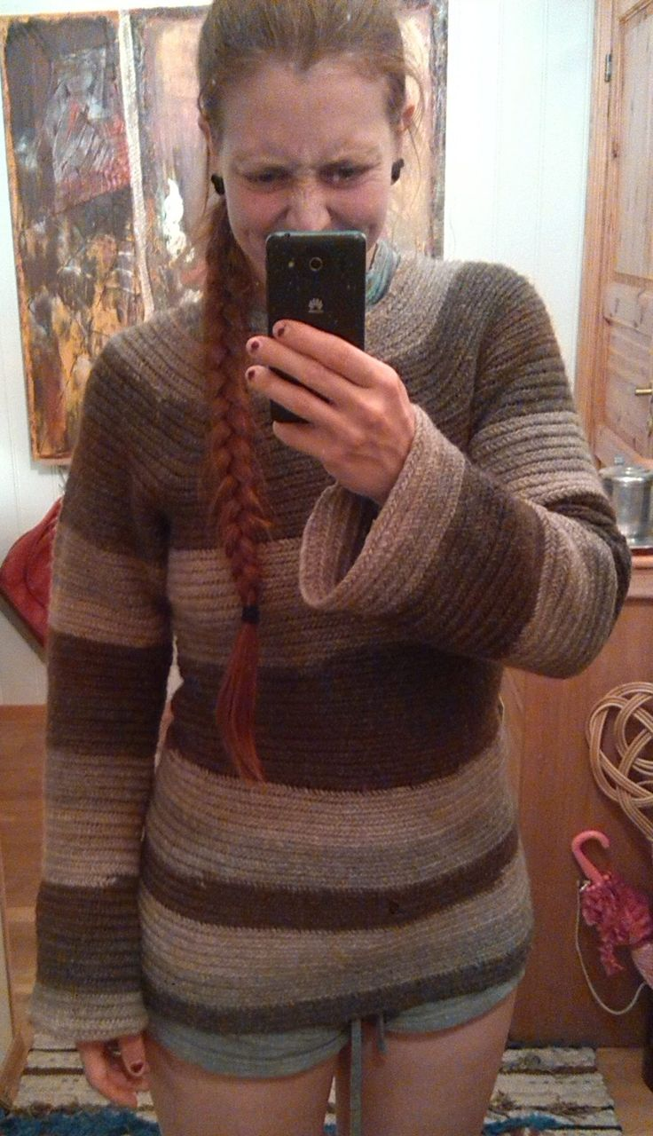 Needlebound / nalbound sweater made (from the bottom) with wool yarn using the Mammen stitch, by Kristina Tyttebær Svare. Shared post 2016-07-22 in the Nålebinding group @ Facebook. Please see link for album with [2] more photos and link to [original post at] Rein & Kristina's crafts!