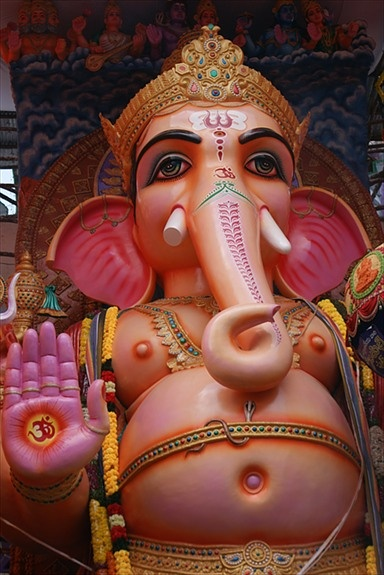 Khairtabad Ganesha, Hyderabad India |  travel guide for india | india sightseeing | family tour packages