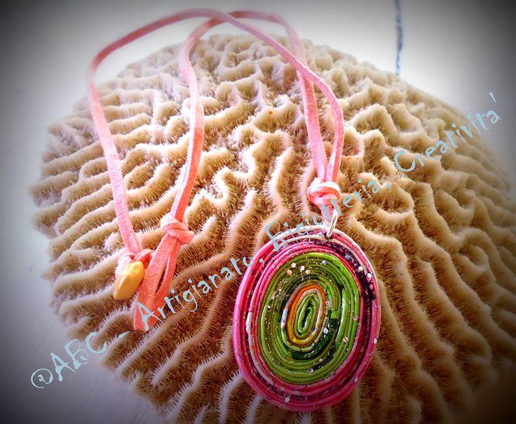 girocollo rosa e verde cordino in alcantara