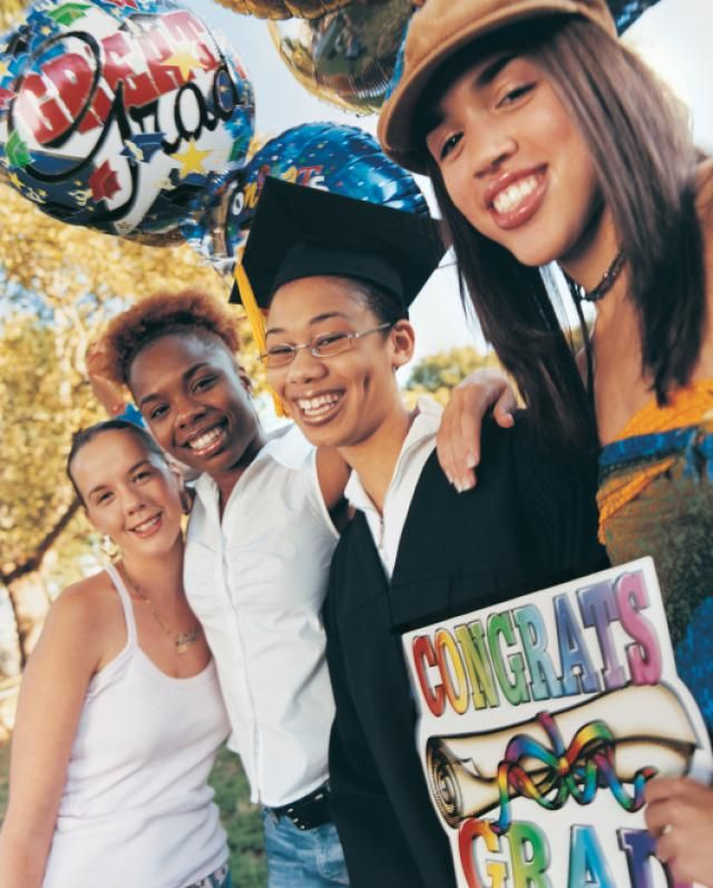Fun Graduation Party Ideas to use at your teen's high school graduation party. This fun graduation party planner is full of graduation party ideas that will help you organize and pull off a fantastic graduation party for your teen.