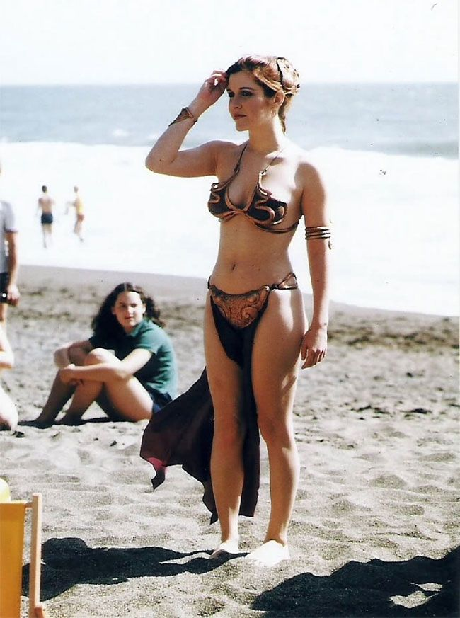 """Photos Of Carrie Fisher Promoting """"Return Of The Jedi"""" At A Rolling Stone Magazine Beach Shoot, 1983"""