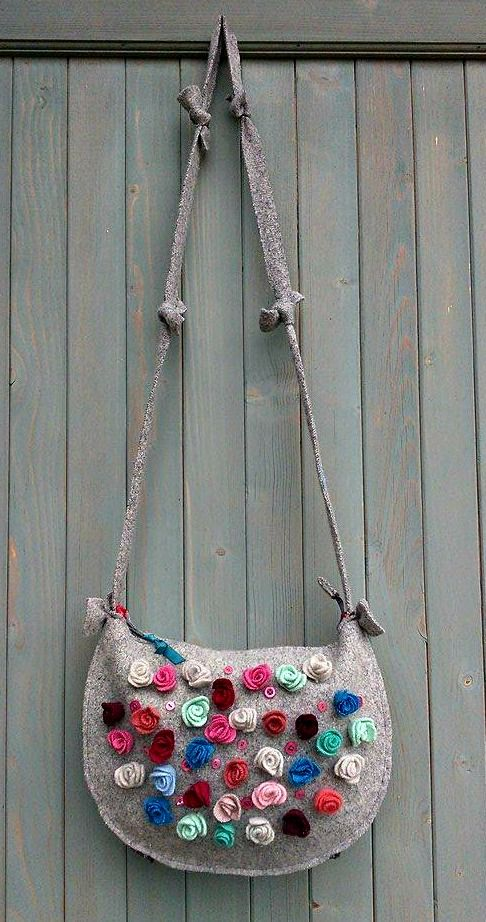 Shoulder bag from reclaimed wool sweaters.