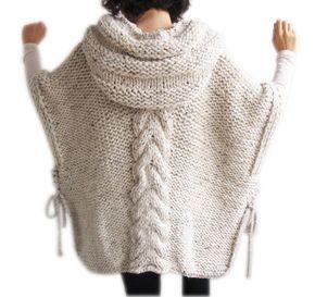 Ce poncho est tricoté avec motif en maille torsadée à la main. Il est fait avec de la laine dalpaga. Il a une capuche. Vous pouvez le porter sur vos tops ou manteaux. Il est très chaud et douillet. Je peux aussi faire cette Capelet dans nimporte quelle couleur et vos mesures.  Il est volumineux.  Au-dessus de la taille - grande taille.  Votre Capelet sera prêt dans 5-7 jours.  Pour voir notre boutique : http://www.etsy.com/shop/afra  Nimporte quelle question, simplement envoyer un message…