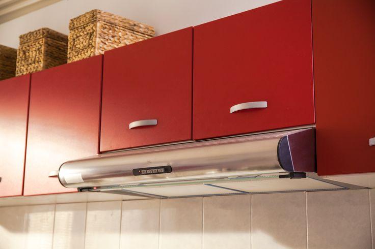 Aprovecha todos los espacios de la cocina con una práctica campana.