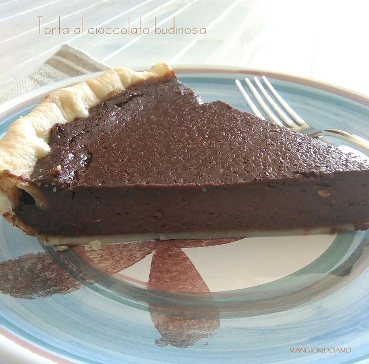 La Torta al cioccolato budinosa è una vera delizia.Una ricetta di una facilità esagerata,anche i meno esperti non avranno nessun problema a preparare.